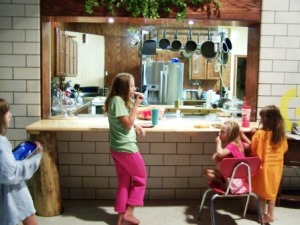 And, more kids trickle in to test out the breakfast bar.